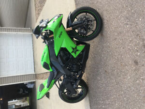 Emmaculate zx10r with low km