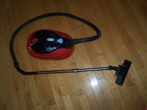 Aspirateur balayeuse v H20 turbo