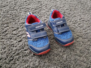Goex, boys shoes size 5 (22)