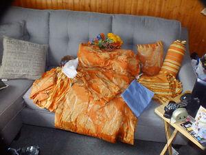 Douillet orange brulé lit double, Offre raisonnable accepter