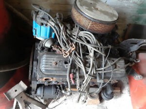 305 High Output Small Block Chevy Motor