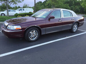2006 Lincoln Town Car Palm beach Sedan