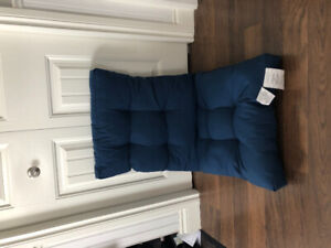 Set of 6 New Patio Cushions