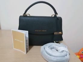 f7e88e5cc84e Michael kors in Scotland | Women's Bags & Handbags for Sale - Gumtree