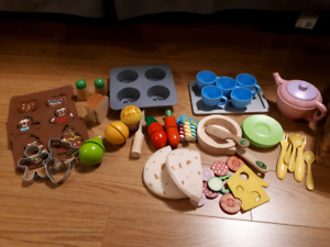 Play kitchen food & accessories