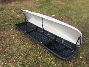 Rooftop luggage carrier