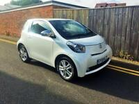 2009 Toyota iQ 1.33 VVT-i Pearlescent White ONLY 3,197 MILES FROM NEW
