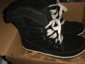 SOREL MEADOW LACE BOOTS WOMEN'S SIZE 8 NEW IN BOX