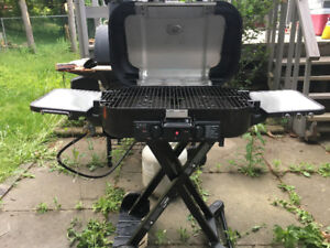 Coleman Road Trip Pro SS Grill in mint condition.