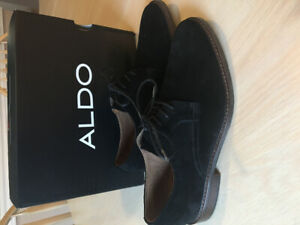 Men's or youth dress shoes. Size 9. Black suede. Worn once.