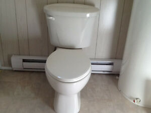 American Standard Elongated Toilet With Lined Tank