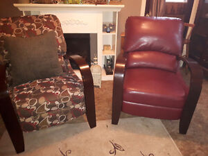 Excellent Condition Modern Recliners