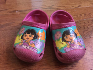 Girls Dora shoes size 5/6