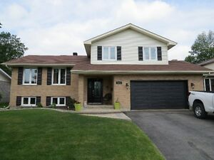 1313 Stormont Drive-NEW LISTING!