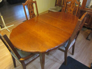 Dinning room table and 6 chairs. Prince George British Columbia image 9