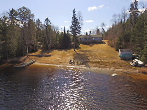 Private lakefront home on Chadwick Lake, 20 mins east of Kenora