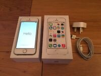 Unlocked iPhone 5s 32GB Gold (Boxed) & Official Apple Plug/Cable