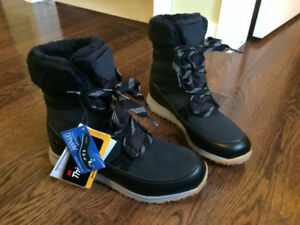 Women's Winter Boots, 9 - new with tags