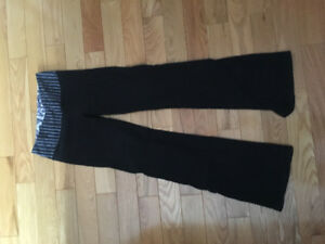 Reversible lululemon yoga pants - size 4