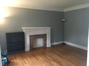 STUDENT RENTAL 5MINS FROM MCMASTER - LARGE ROOM FOR RENT