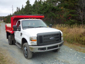 2009 Ford f-350 4x4 gas engine with 9.5 dump