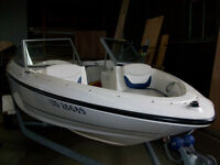 Bayliner 175 Bowrider 2005 White Blue trim