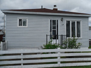 Perfect Starter Home on a Quiet GFW Street!