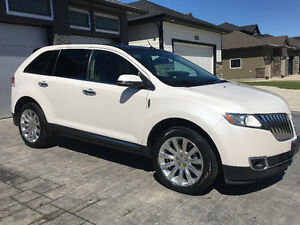 2014 Lincoln MKX SUV, With Navigation and a double sunroof