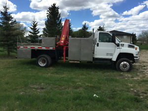 """REDUCED DIESEL"" 4X4 2006 GMC C5500  KNUCKLE BOOM  $35,500.00"