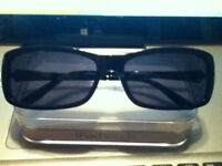 well over 100 dollars womens guess sunglasses,no scratches mint