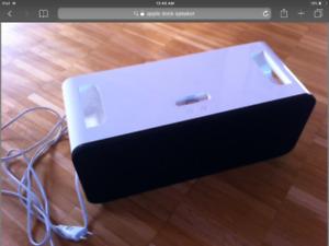 Apple dock speaker