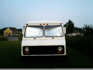 FAUT QUE SA PARTE ! 1984 Ford Other cube Fourgonnette, fourgon