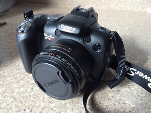 Canon PowerShot SX10IS Camera