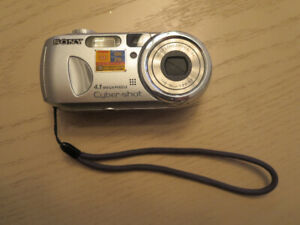 Sony Camera - Cybershot