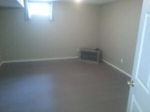 MUST SEE !1bd base/suite  close to golf course avail. July1st
