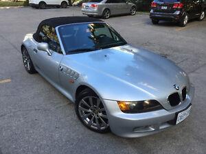 Beautiful BMW Z3 replaced clutch service worth 3700$ 500km ago