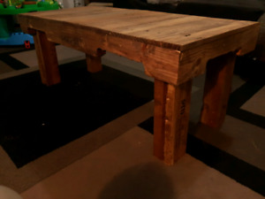 Relaimed pallet coffee table