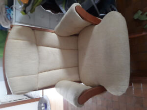 Chaise bercante  marque dutaillier