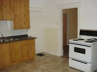 BEAUTIFUL 1-BEDROOM APARTMENT AVAILABLE APRIL 1st