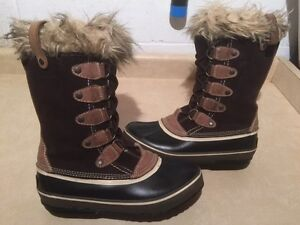 Women's Wind River Insulated Winter Boots Size 10 London Ontario image 1