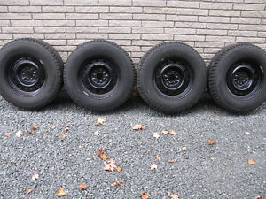 Toyo Observe G3 Ice, Studded Winter Tires w Rims, P235/70 R16