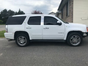 2009 hybrid Yukon for sale