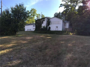 Commercial Waterfront Property in Manitoulin Island | For Sale