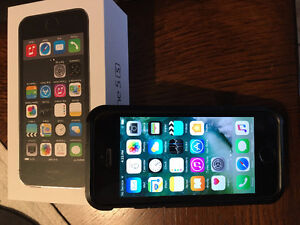 Rogers Iphone 5S 16 GB - line new