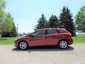 2013 Ford Focus SE- Hatchback.  ONE OWNER!!  ($54 per week)