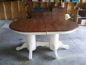 Solid oak dining table Peterborough Peterborough Area image 1