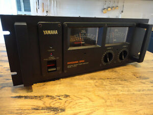 VINTAGE YAMAHA P2200 480 RMS TOTAL POWER AMP IMPECCABLE