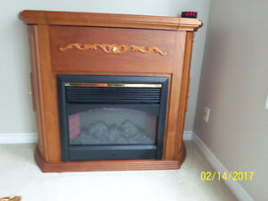 Beautiful electric fireplace in excellent condition