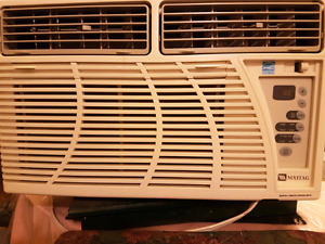 Maytag 8000 BTU air conditioner w/ remote