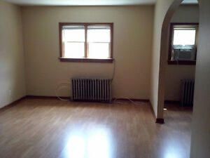 Uptown Waterloo Apartment for Rent